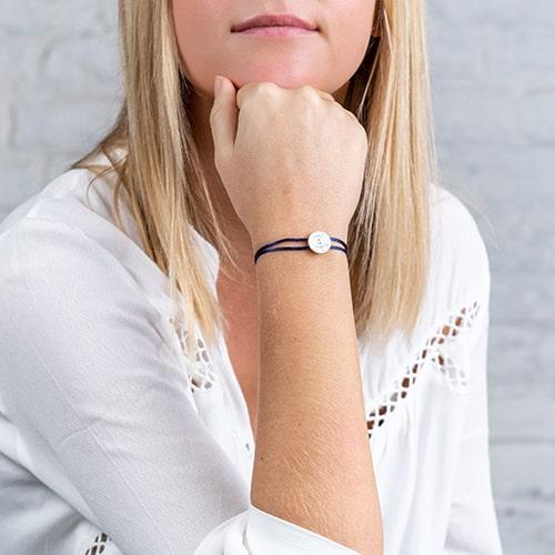 bracelet-porté-james-love-bleu-f-min